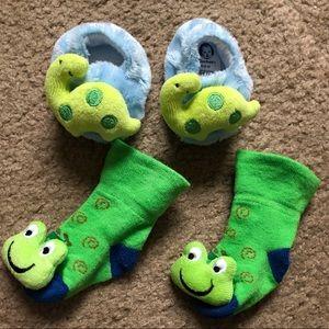 NWOT Bundle Very Cute Baby Socks Dinosaur Frog 3D